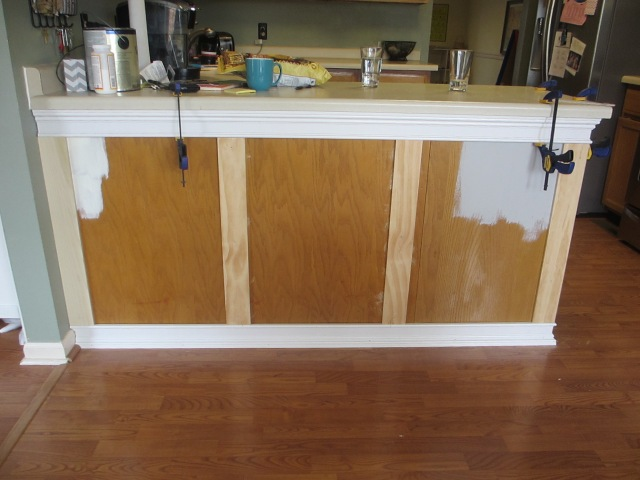 add moulding to kitchen cabinets kitchen chronicles vol 2 adding trim to the kitchen 10453